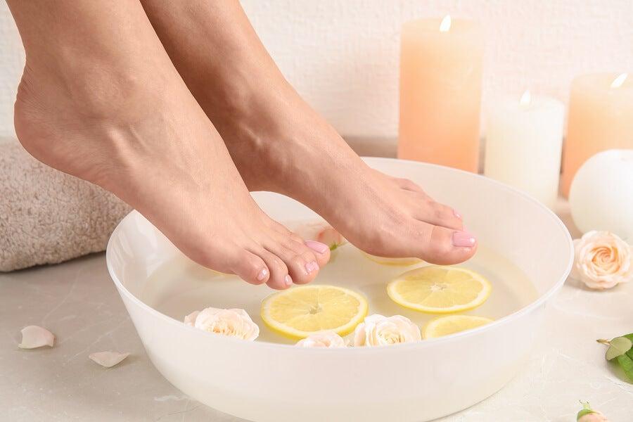Bật mí bí quyết cách khử mùi hôi giày hiệu quả nhất