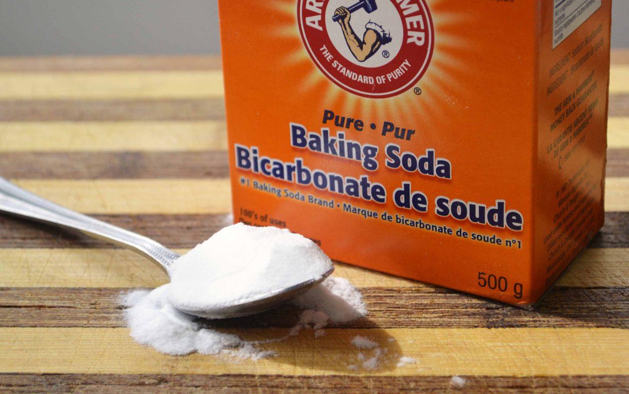 Dùng Baking soda trị hôi chân hiệu quả