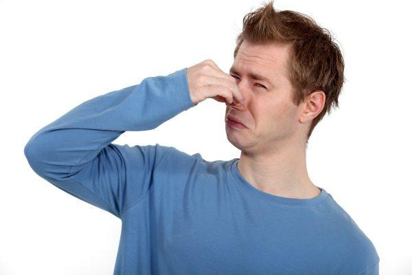 mùi cơ thể bắt nguồn từ thói quen sinh hoạt không sạch sẽ