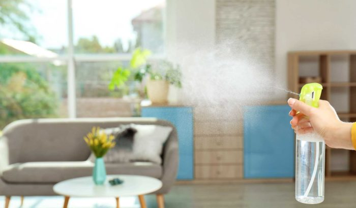 Xịt tinh dầu để kiểm soát mùi hôi