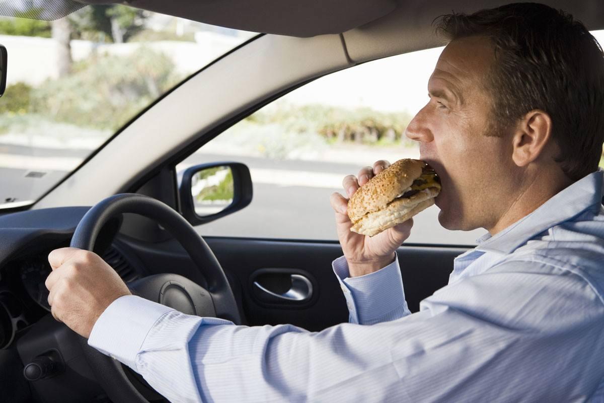 Cách khử mùi điều hòa xe ô tô đơn giản chỉ mất 10 phút