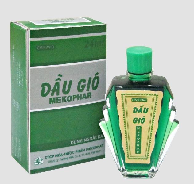 Mùi nồng của dầu gió giúp át đi mùi hôi nhà vệ sinh