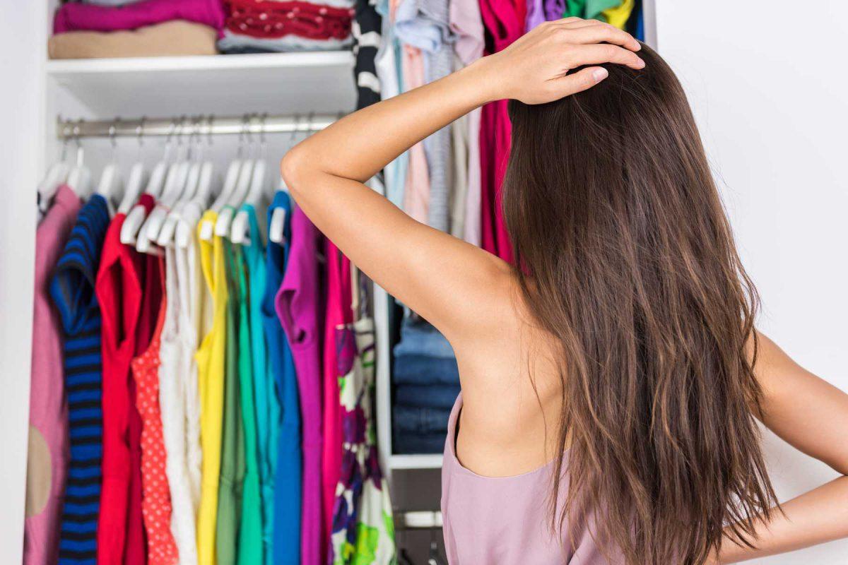 quần áo gây mùi hôi phòng